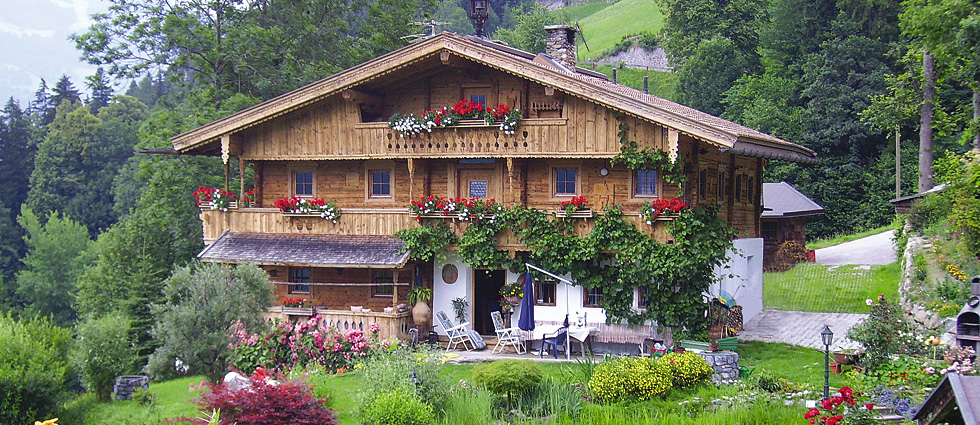 Bergchalets Klausner  traditional tyrolean house
